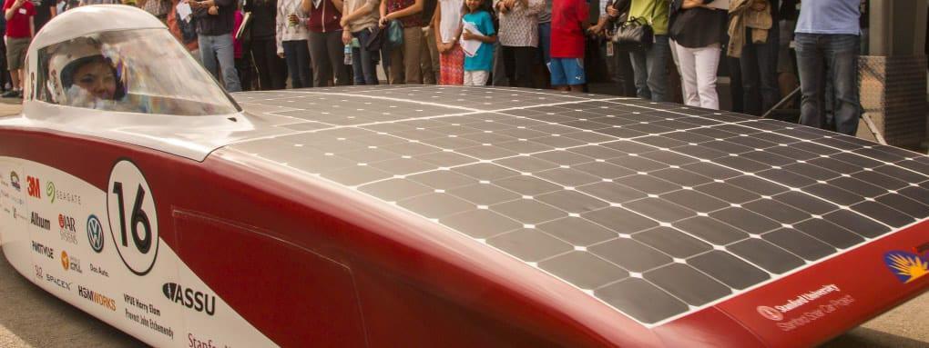 coche solar Artcan con paneles sunpower