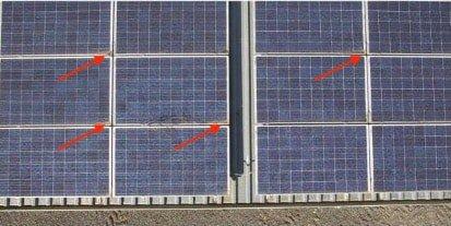 Suciedad acumulada en esquinas de placas solares