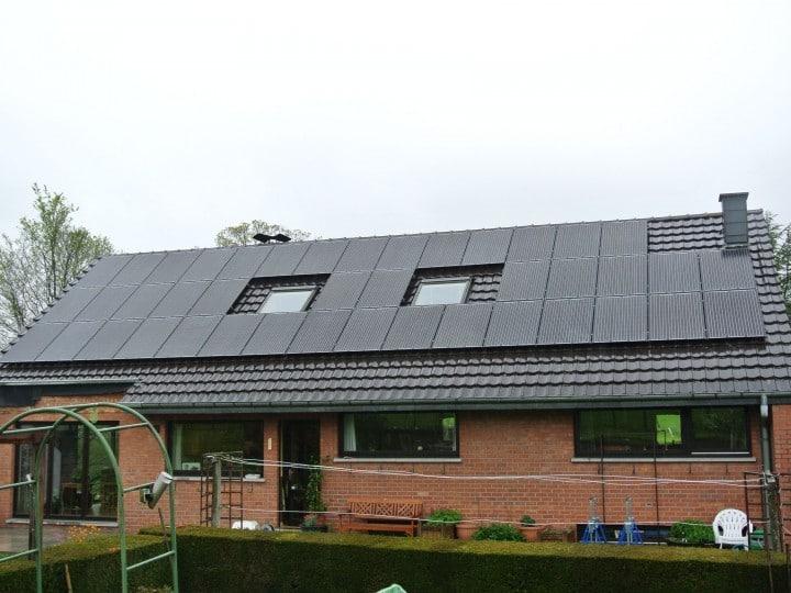 Suministro tejado fotovoltaico - 13kW - SolarWorld SW250 Black