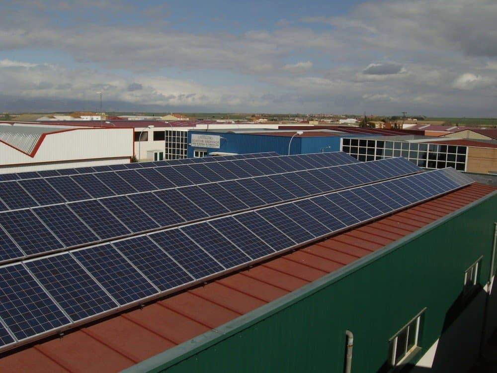 Suministro fotovoltaico autoconsumo solar - 50kW - SolarWorld SW260