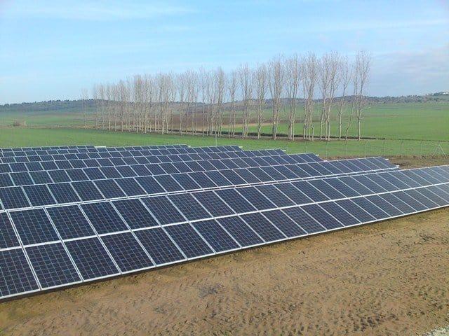 Suministro-huerto-fotovoltaico-100kw-SHARP-250W