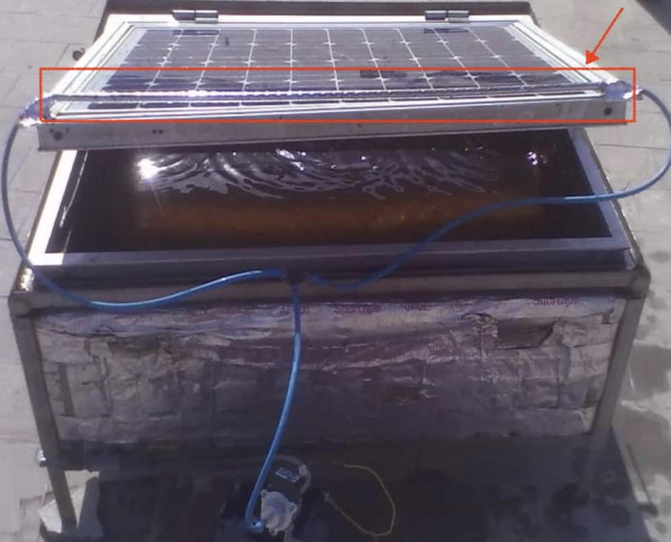 Agua sobre placa solar