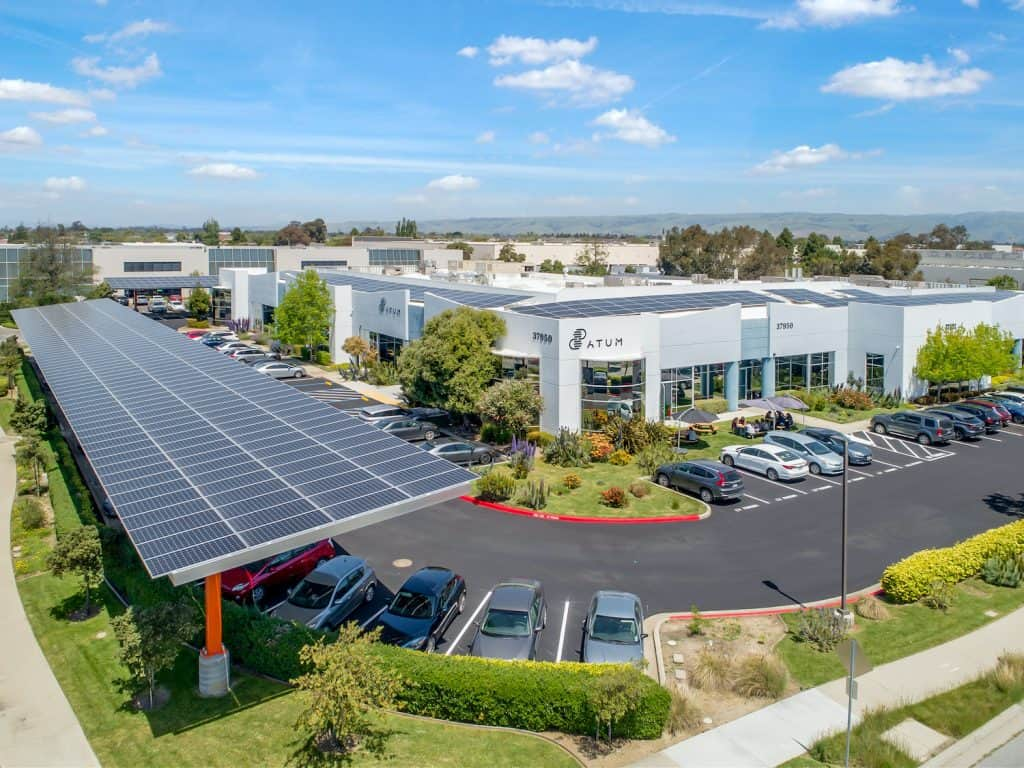 Parking solar con paneles SunPower