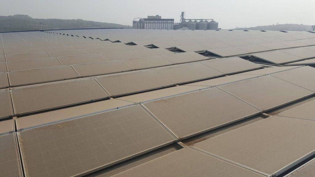 Suciedad sobre paneles solares